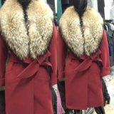 Пальто с енотом