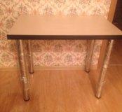 Новый светлый стол на кухню