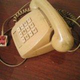 Кнопочный старый телефон