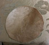 Натуральный коврик на табурет