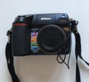 Цифровой фотоаппарат Nikon E8400