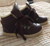 Ботинки 27 размер новые MAYORAL