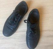 Продам кожаные туфли на подростка 37 размер