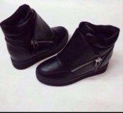 Новые ботинки 37 на 36р