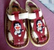 Новые сандали р.19