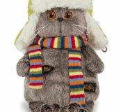 Новый кот в зимней шапке