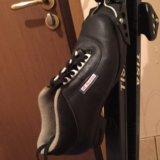 Продаются лыжи с ботинками.