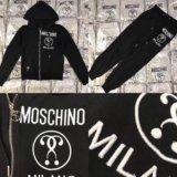Новый костюм Moschino