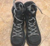 Зимние женские ботинки 38р отложено