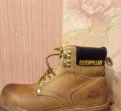 Продам шикарные фирменные ботинки размер -40