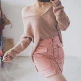 Свитер и замшевая юбка