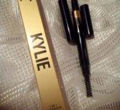 Кайли - карандаш для бровей с щеточкой