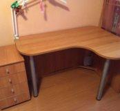 Письменный стол и тумбочка