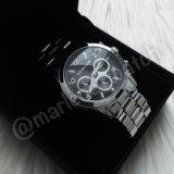 Серебристые часы с черным циферблатом Michael Kors