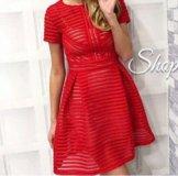 Новое платье красное