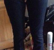 Продам фирменные джинсы 25