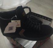 Ботинки(кроссовки)