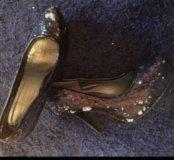 Нарядные туфли с пайетками