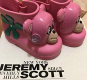 Новые сапоги Mini Melissa &Jeremy Scott