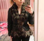 Кожаная куртка с чернобуркой.