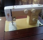 Швейная машинка Чайка