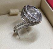 Роскошное кольцо Chopard из золота с бриллиантами