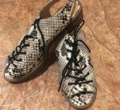 Крутые сандалики