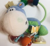 Продам игрушки для малышей фирмы playgro и рюкзак