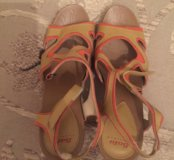 Туфли Bata почти новые