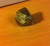 Коллекционный камень, позолота.