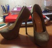 Туфли бежевые замшевые