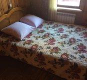 Кровать 2-спальная с матрасом и комод с зеркалом