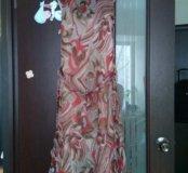 Платье sinequanone, туфли Ferragamo
