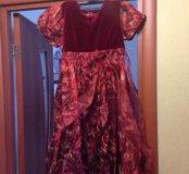 Красивое платье, новое с перчатками