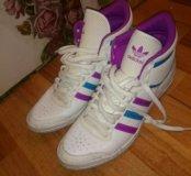 Кроссовки Adidas женские новые