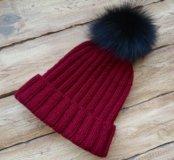 Новая вязаная шапка с меховым помпоном ручная раб.