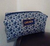 Косметичка DKNY