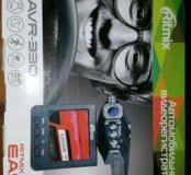 Автомобильный видеорегистратор retmix AVR-330