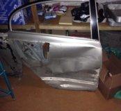 Задняя правая и передняя дверь на Honda Civic 4D
