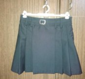Школьная юбка на девочку, рост-134, цвет-черный.