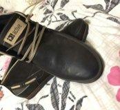 Новые кожаннве ботинки