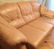 2 кожаных итальянских дивана