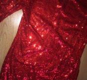 Блестящее платье в паетках