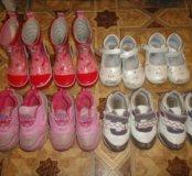 Туфли и кроссовки 23 и 24 размер.По 200руб.
