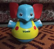 Слоник Tomy