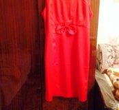 Атласное красное платье
