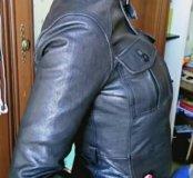 Кожаная куртка женская 42, на небольшой рост.