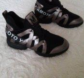 Классные кроссовки в наличии! 35 размер