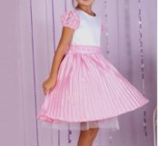 116 р. Новое нарядное платье с юбкой-плиссе
