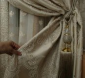 Шторы новые 2 полотна шелк с вышивкой, Турция